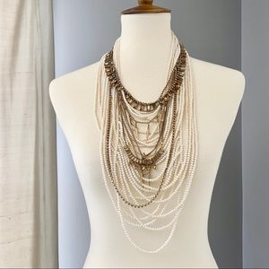 Banana Republic Messy Pearl necklace